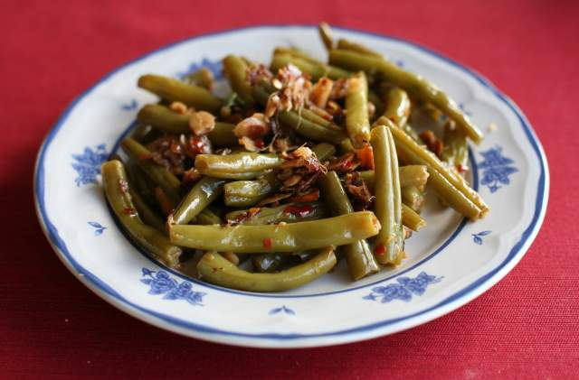 green beans in brown butter and ginger fish sauce